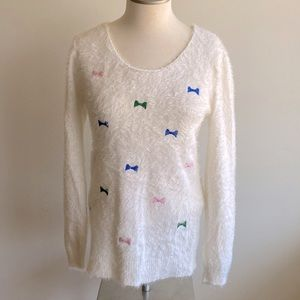 Feyimeiren Soft White Sweater with Bows size L